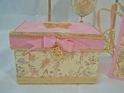 Gift bundle box